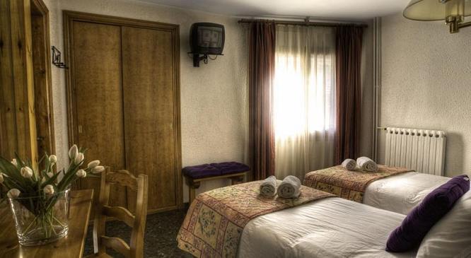 hotel naudi andorra: